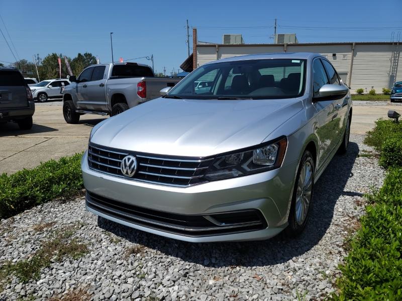 Volkswagen Passat 2016 price $13,313