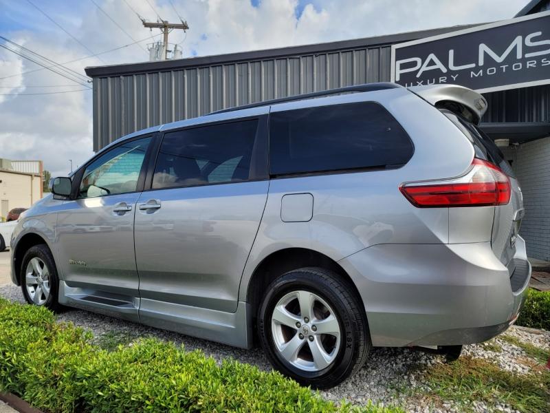 Toyota LE Braun Ability Lift Van 2017 price $41,998
