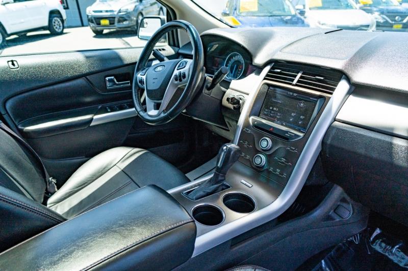 Ford Edge 2013 price $15,999