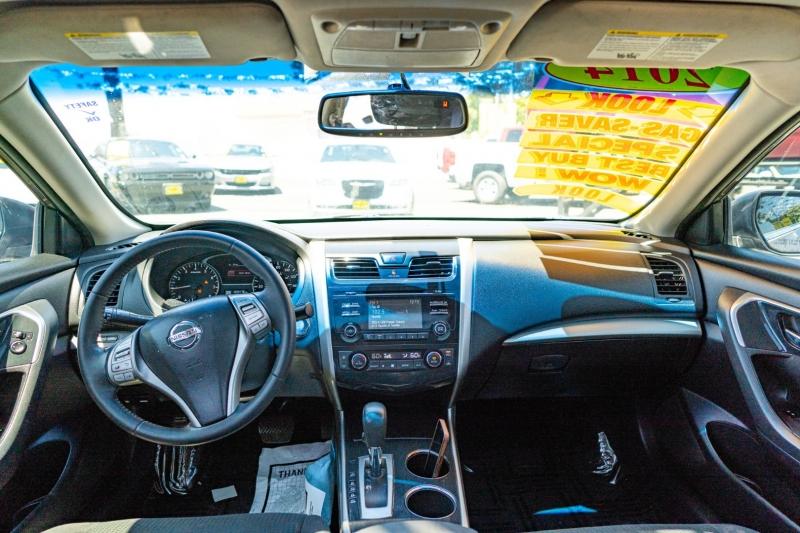 Nissan Altima 2014 price $12,999