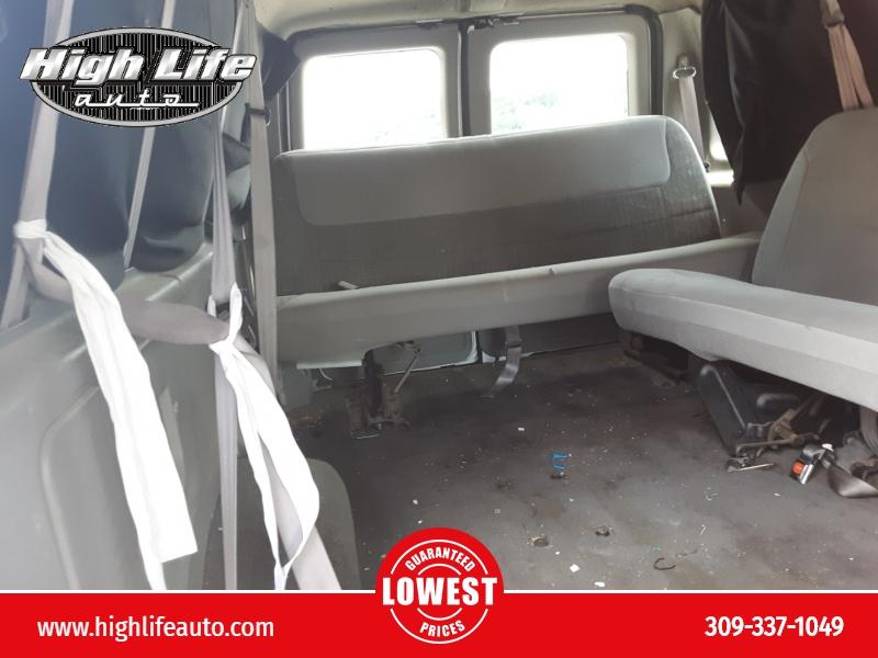 Ford Econoline Wagon 1999 price $900 Cash