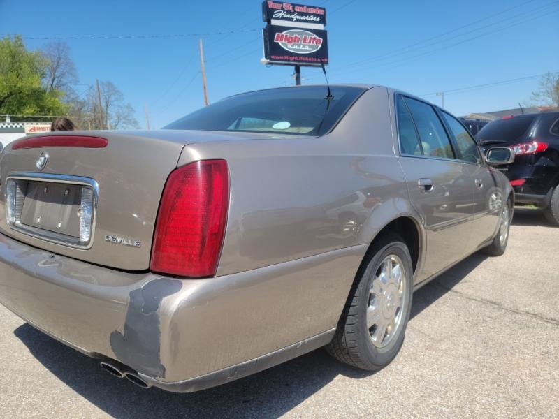 Cadillac DeVille 2004 price $2,000