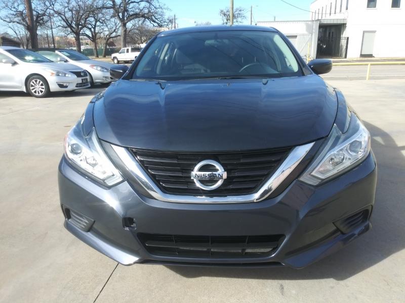 Nissan Altima 2017 price $9,999