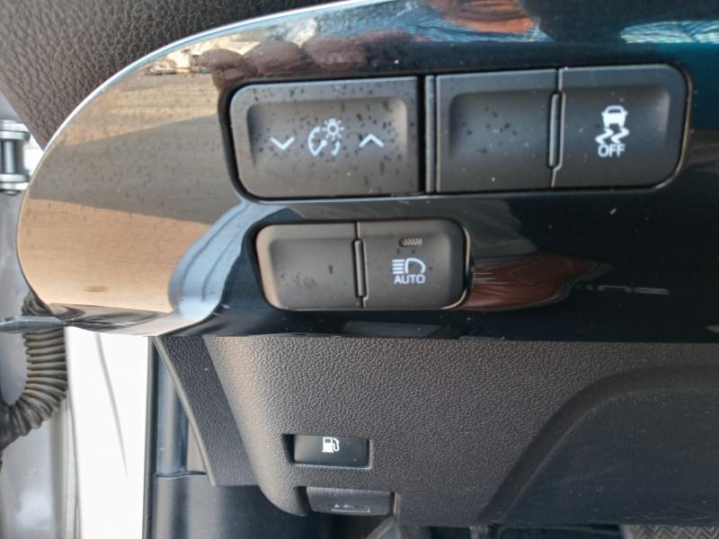 Toyota Prius 2017 price $13,999