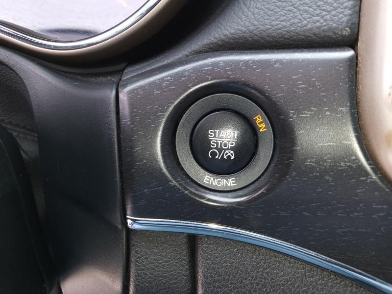 Jeep Grand Cherokee 2015 price $15,999