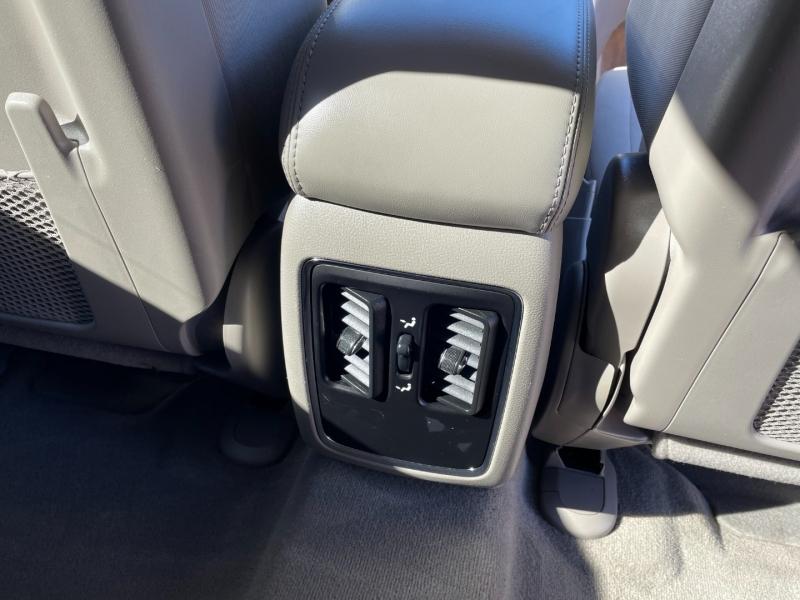 Jeep Grand Cherokee 2011 price $14,490
