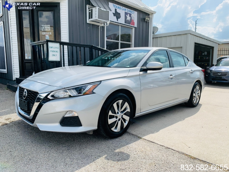 Nissan Altima 2020 price $17,495