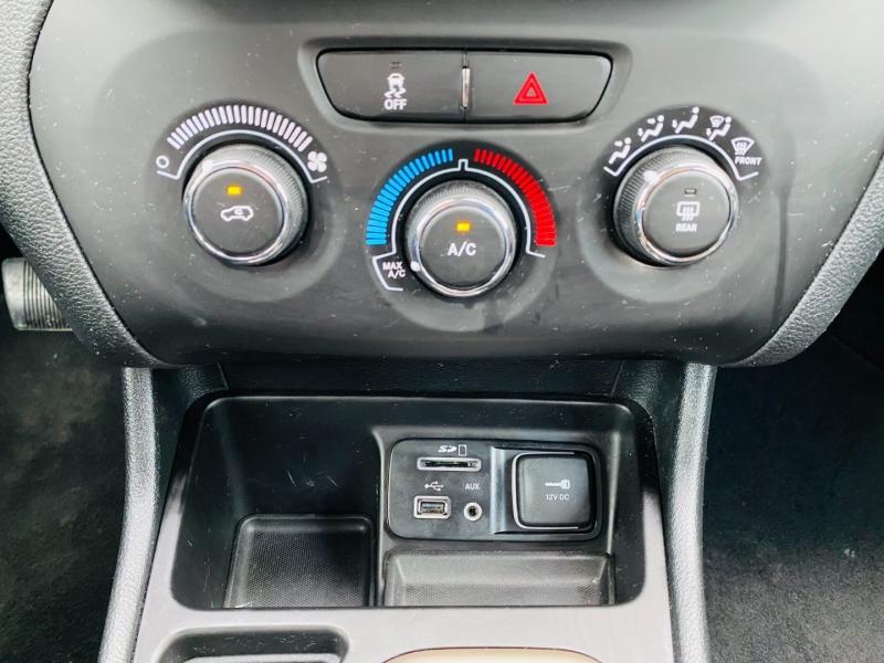 Jeep Cherokee 2018 price $13,995