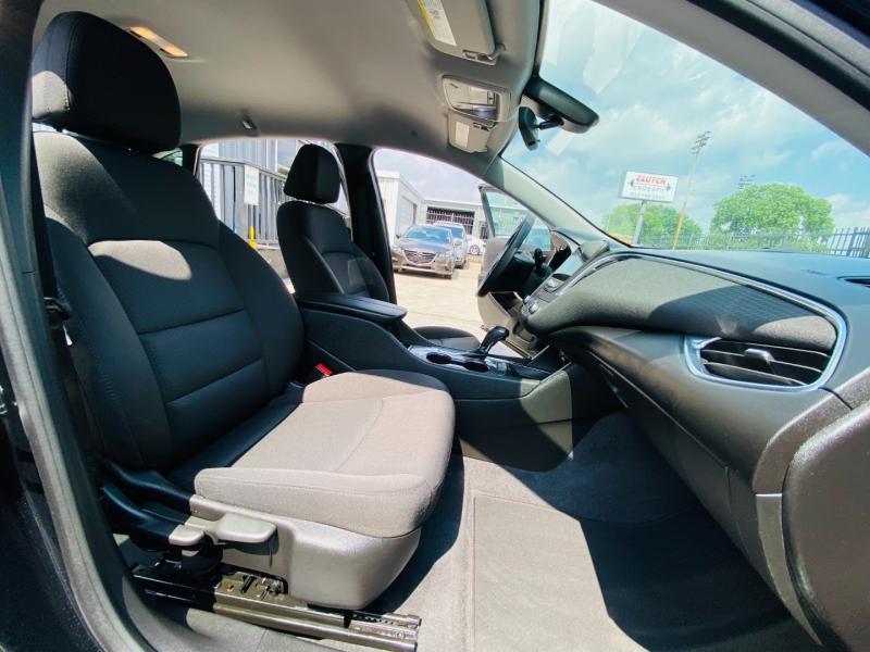 Chevrolet Malibu 2019 price $17,995
