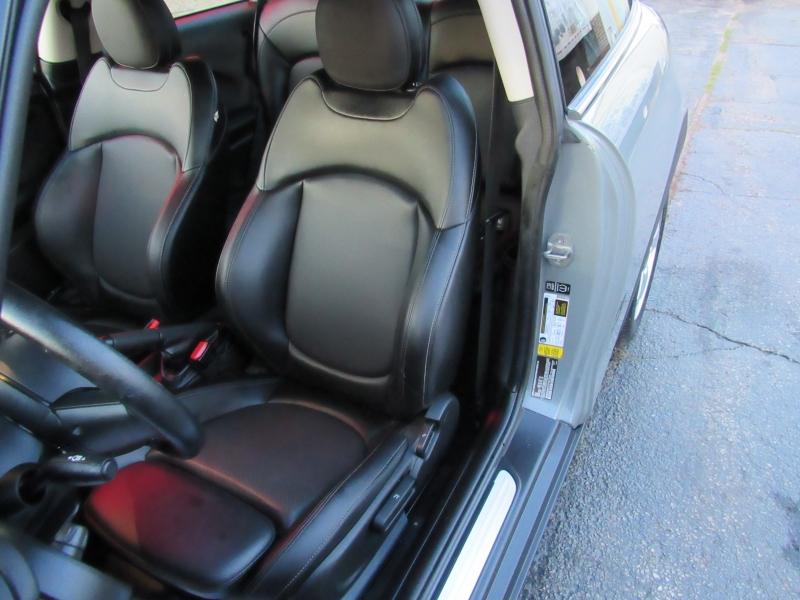 Mini Cooper Hardtop 2015 price $8,995