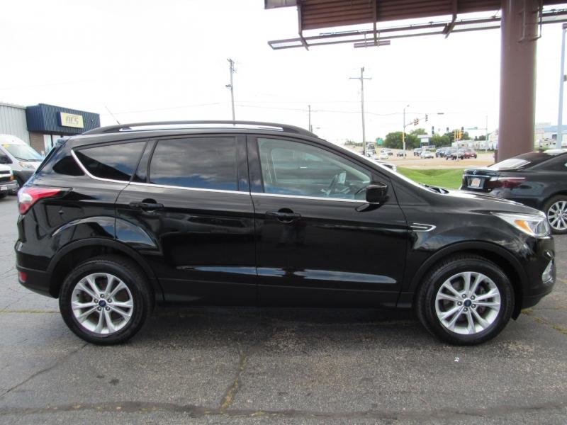 Ford Escape 2018 price $14,995