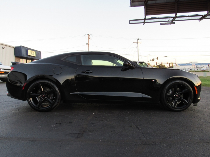 Chevrolet Camaro 2018 price $37,995