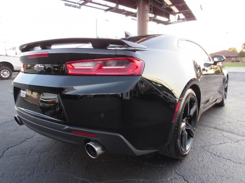 Chevrolet Camaro 2018 price $38,995