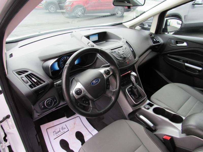 Ford C-Max Hybrid 2015 price $9,995