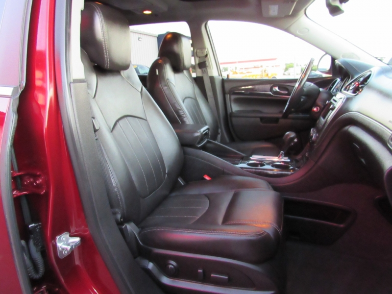 Buick Enclave 2017 price $24,995