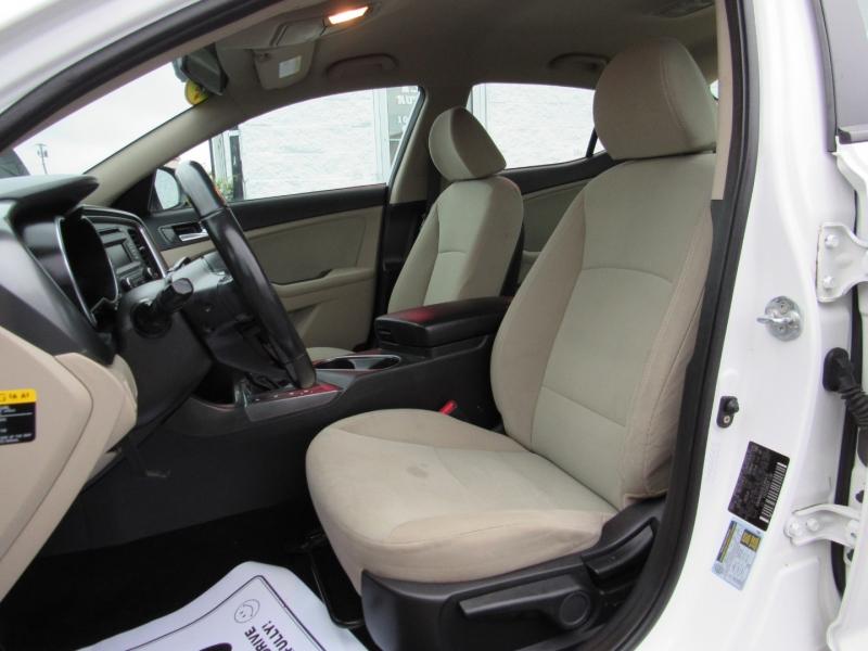Kia Optima Hybrid 2014 price $9,995