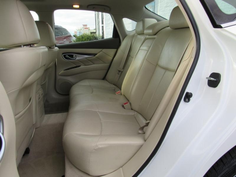Infiniti M37x 2012 price $14,995