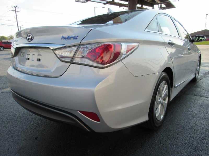 Hyundai Sonata Hybrid 2014 price $11,995