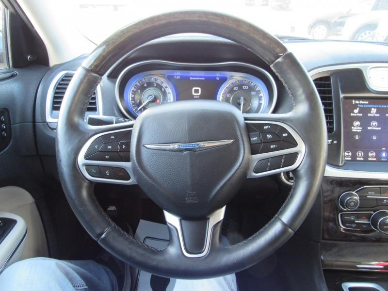 Chrysler 300 2018 price $20,995