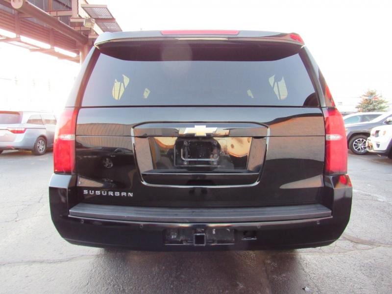 Chevrolet Suburban 2018 price $29,995