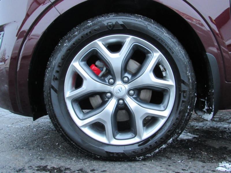 Kia Sorento 2017 price $23,995