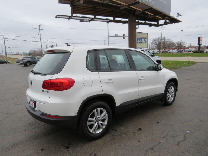 Volkswagen Tiguan 2012 price $9,995