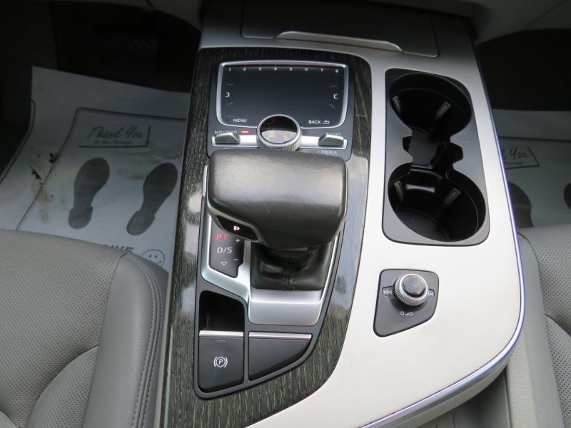 Audi Q7 2017 price $34,995