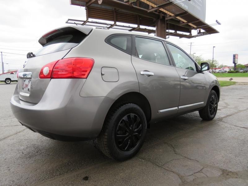 Nissan Rogue 2011 price $10,995