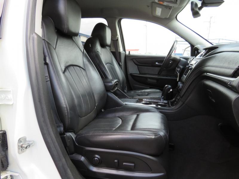 Chevrolet Traverse 2015 price $18,995