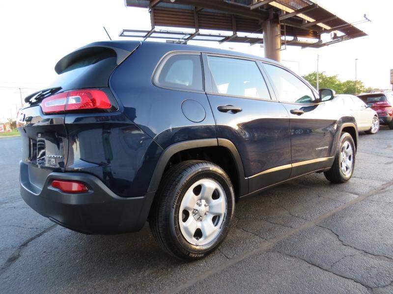 Jeep Cherokee 2014 price $13,995