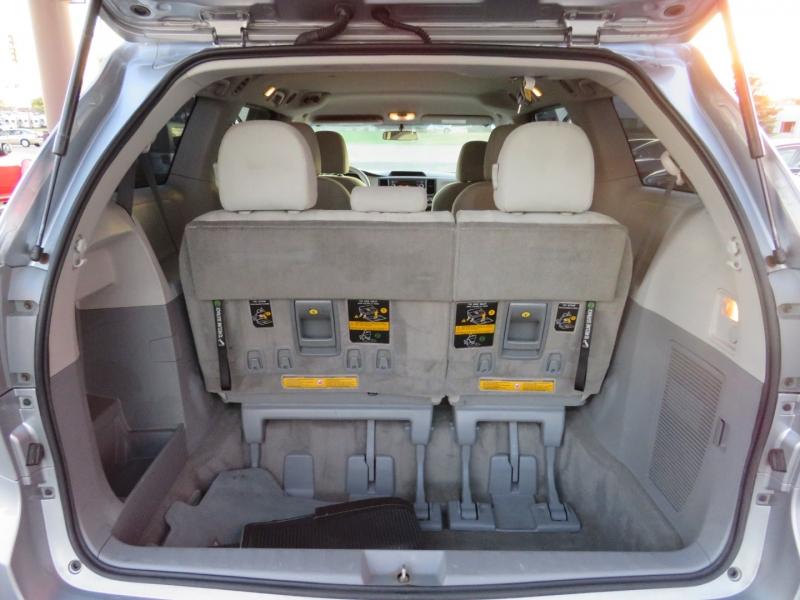 Toyota Sienna 2013 price $11,995