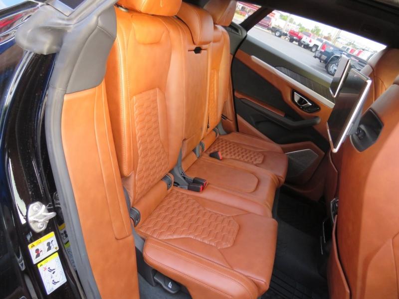 Lamborghini Urus 2019 price $289,995