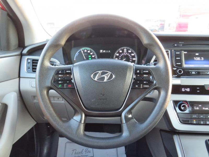 Hyundai Sonata Hybrid 2016 price $15,995
