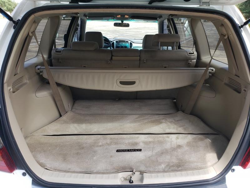 Toyota Highlander 2005 price $6,495