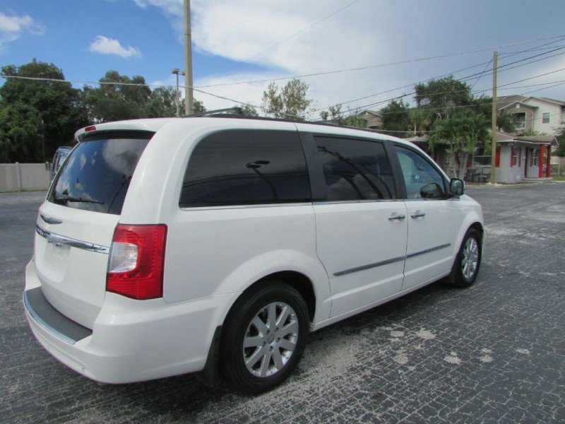 CHRYSLER TOWN & COUNTRY 2012 price $7,495