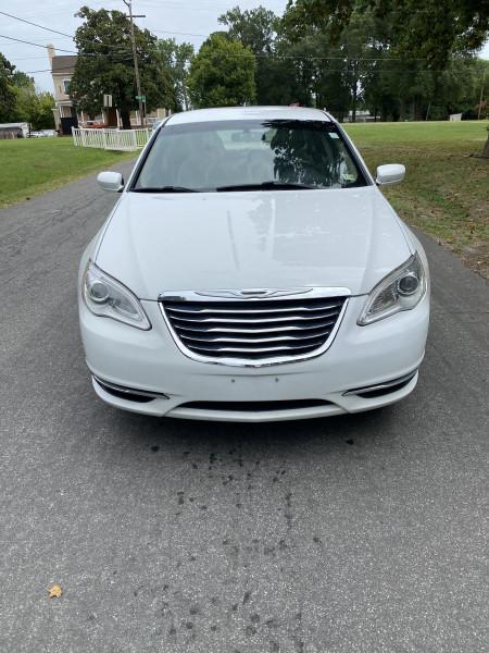 Chrysler 200 2013 price $4,995