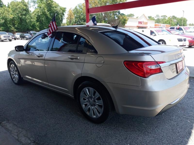 Chrysler 200 2014 price $7,995