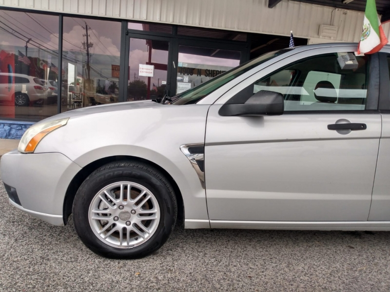 Ford Focus 2008 price $4,995