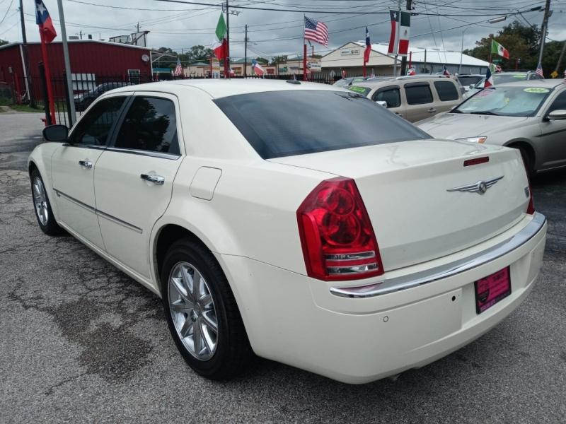 Chrysler 300 2010 price $8,995