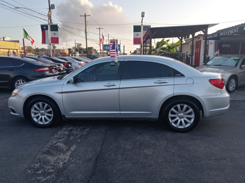 Chrysler 200 2012 price $4,500