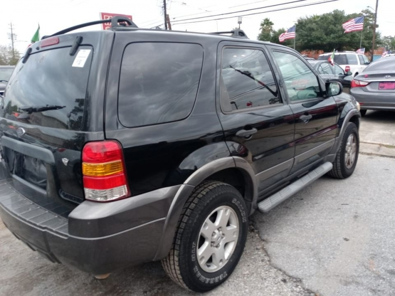 Ford Escape 2006 price $2,995