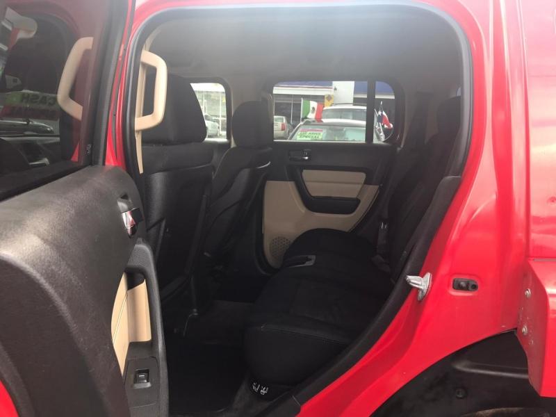 Hummer H3 2006 price $4,995