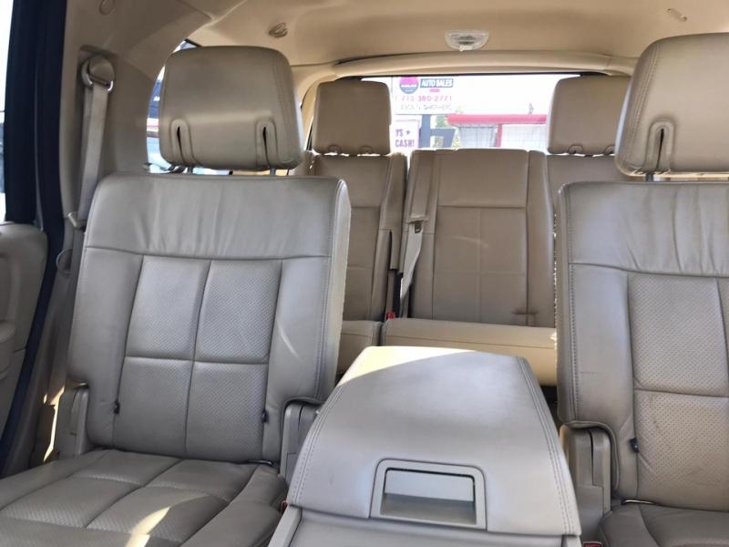 Lincoln Navigator 2008 price $10,500