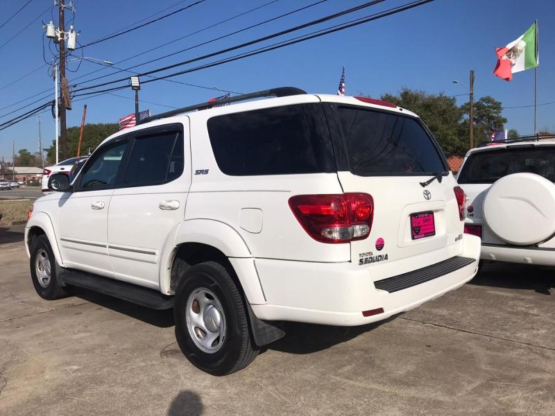 Toyota Sequoia 2006 price $7,500