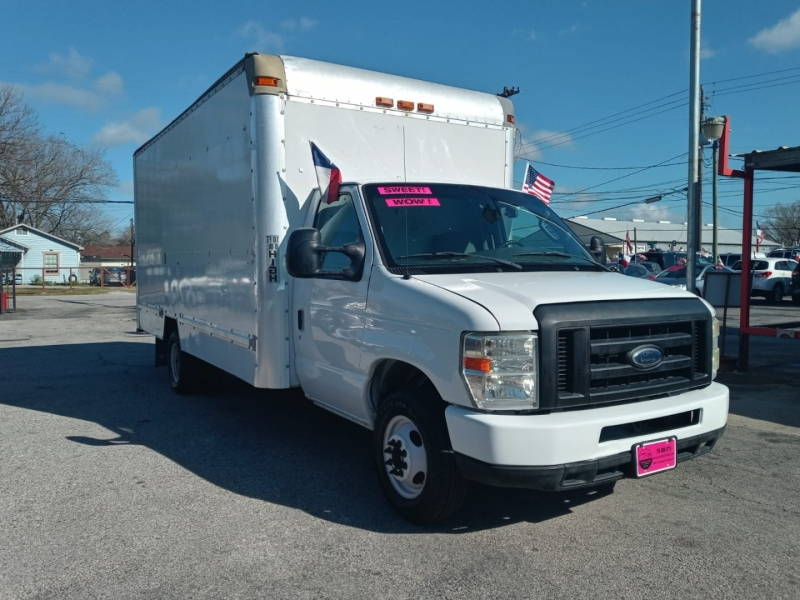 Ford Econoline Commercial Cutaway 2008 price $12,995