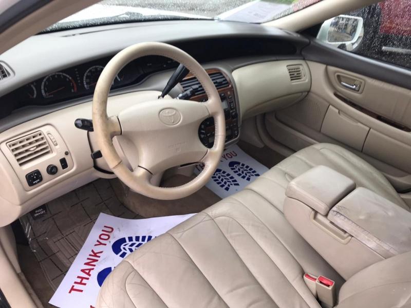 Toyota Avalon 2000 price $4,995