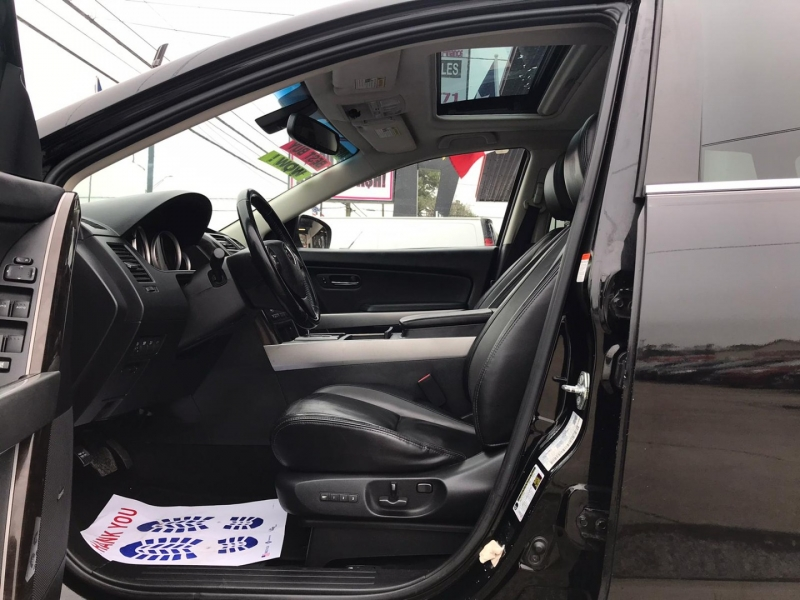 Mazda CX-9 2010 price $5,995