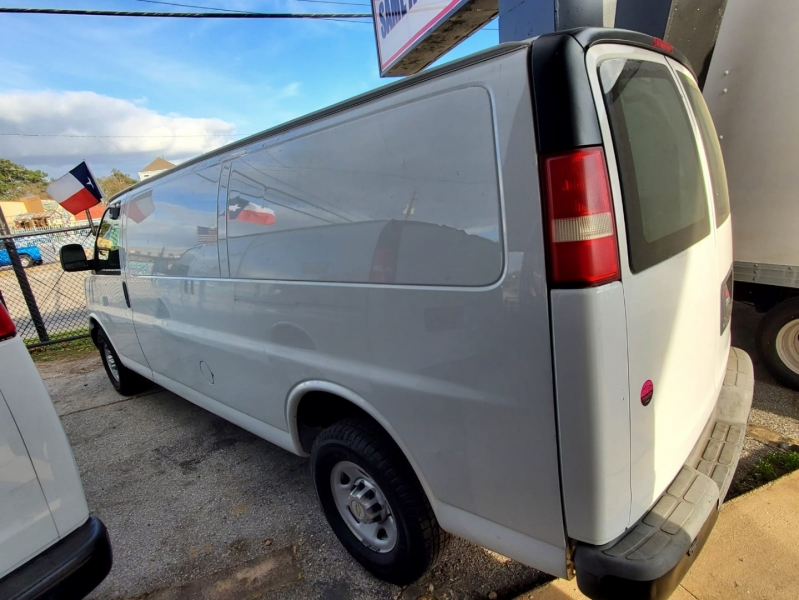 Chevrolet Express Cargo Van 2011 price $13,995