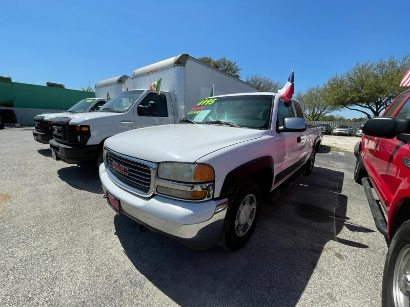 GMC Sierra 1500 2002 price $5,995
