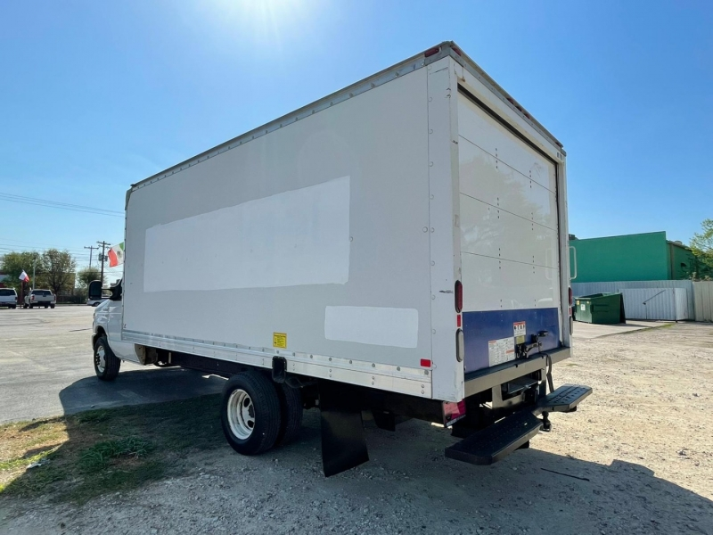 Ford Econoline Commercial Cutaway 2013 price $16,500